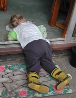A quick nap in the doorway